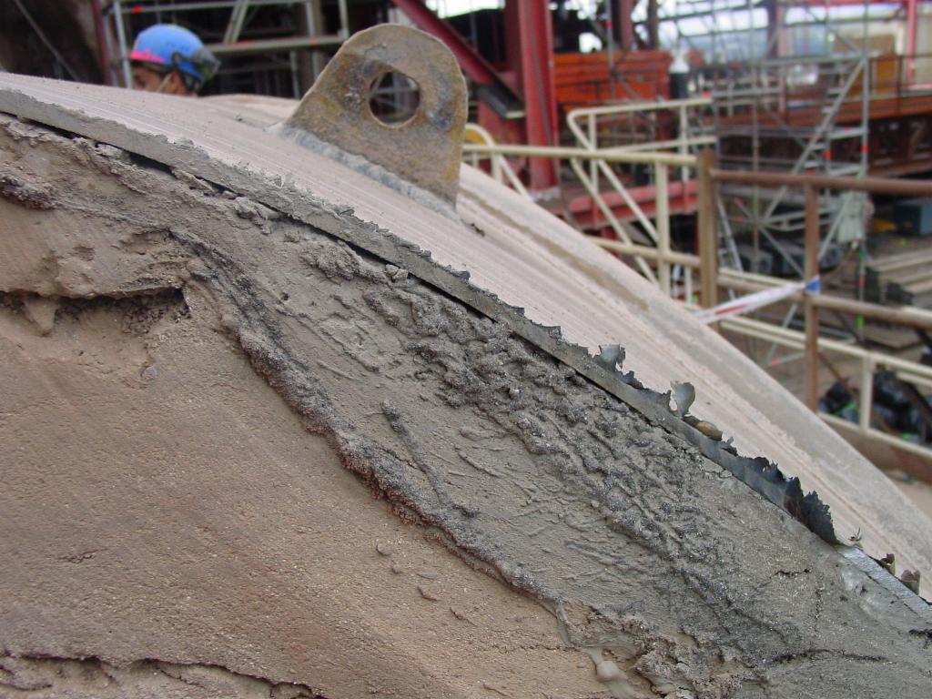 Trabajos de corte con diamante en la refinería de Petronor