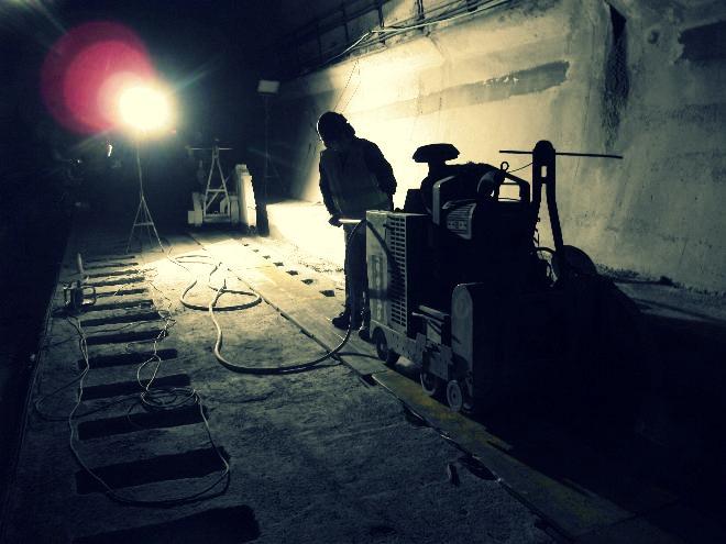 RE-CORTA corte mural y cortasuelos: de puente en el túnel